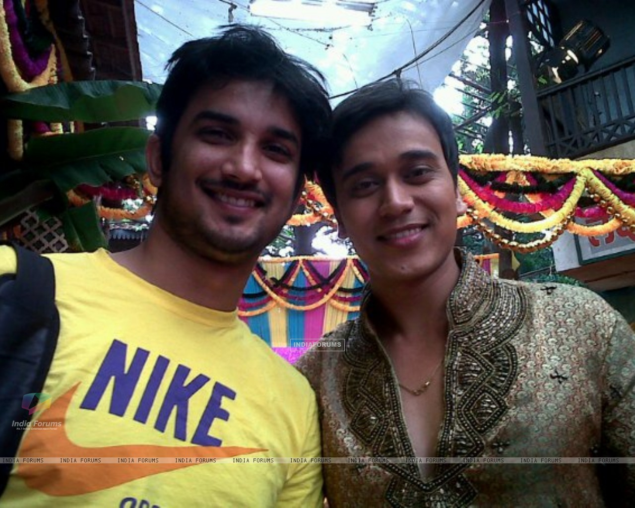 Sushant Singh Rajput and Anurag Sharma On The Sets Of Pavitra Rishta (196665) size:1280x1024