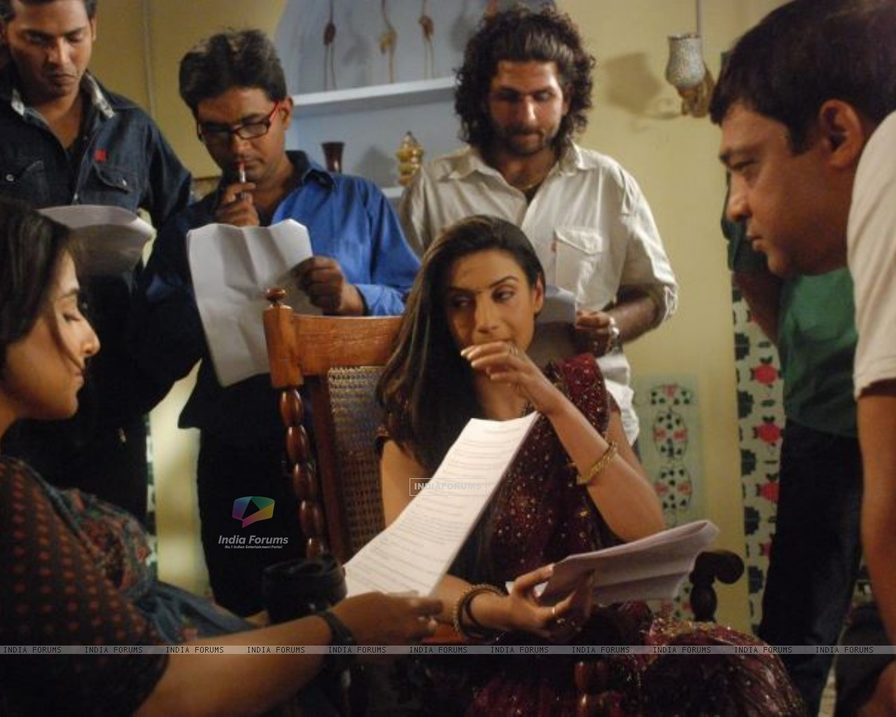 Rati Pandey's Offscreen Picture while shooting with vidiya in Hitler Didi (198022) size:1280x1024