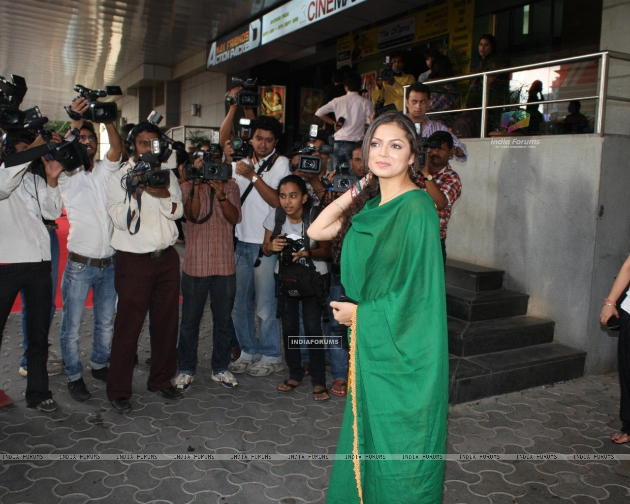 Drashti Dhami at COLORS Channel new show Madhubala...Ek Ishq, Ek Junoon premiere (199435) size:1280x1024