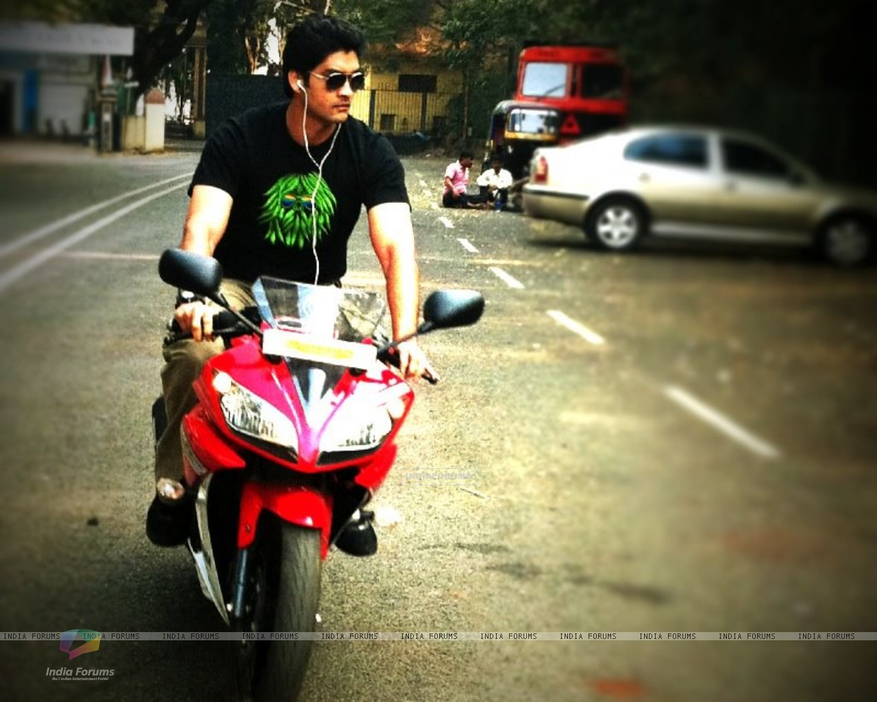 Aditya Redij on bike (199459) size:1280x1024
