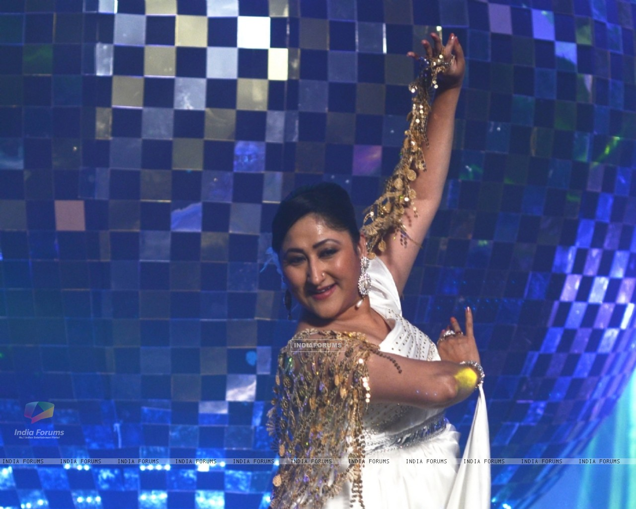 Jayati Bhatia at Jhalak Dikhhla Jaa 5 - Dancing with the stars (200679) size:1280x1024