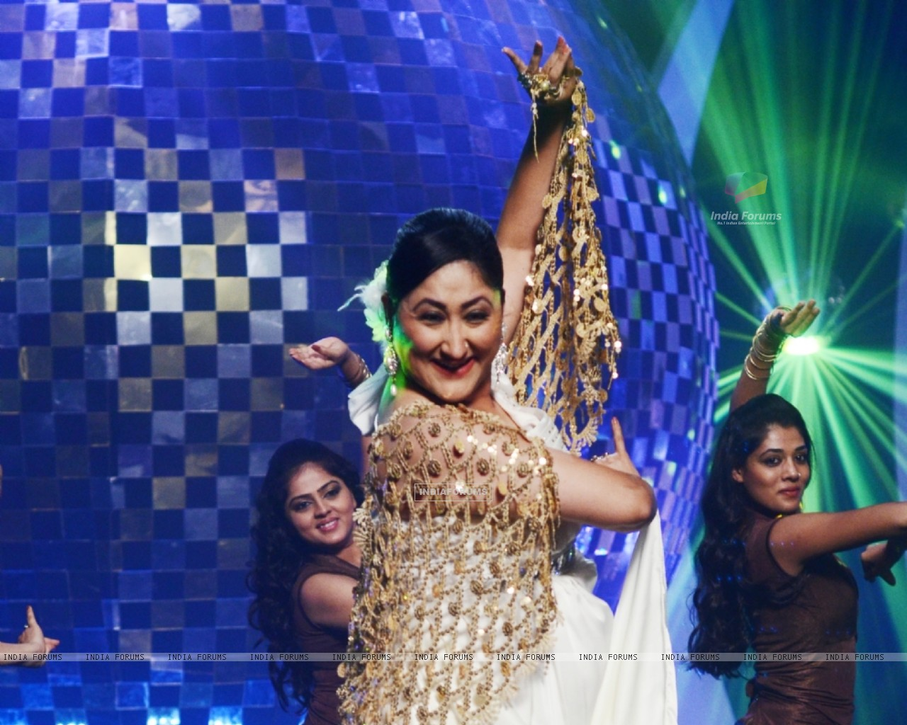 Jayati Bhatia at Jhalak Dikhhla Jaa 5 - Dancing with the stars (200680) size:1280x1024