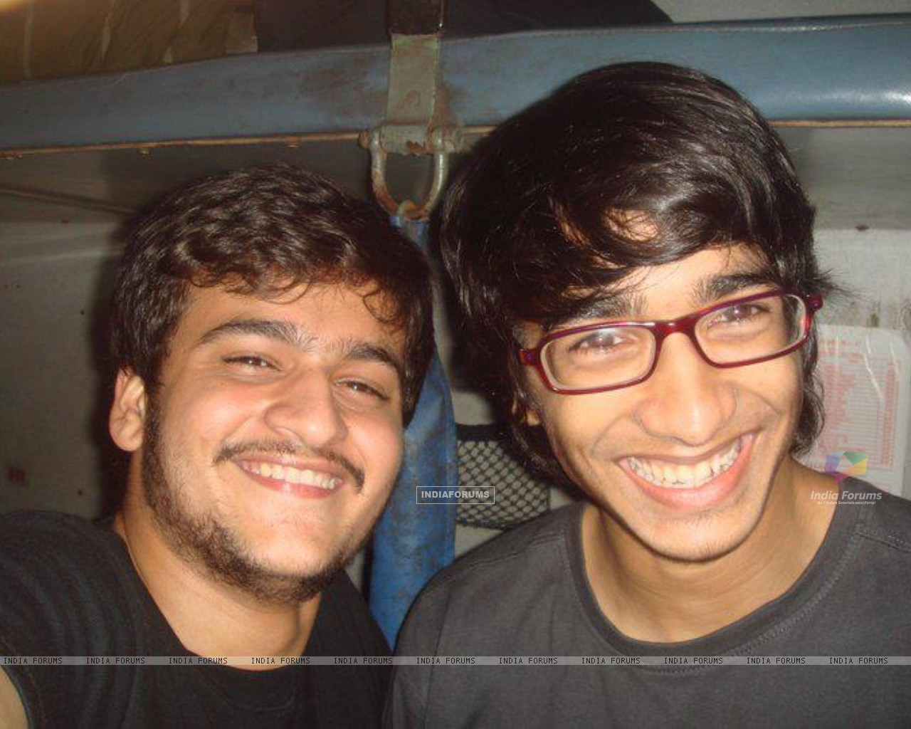 Shantanu with a friend (202940) size:1280x1024