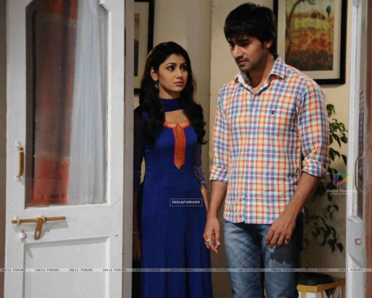 Harshad Chopra and Sriti Jha (208543) size:1280x1024