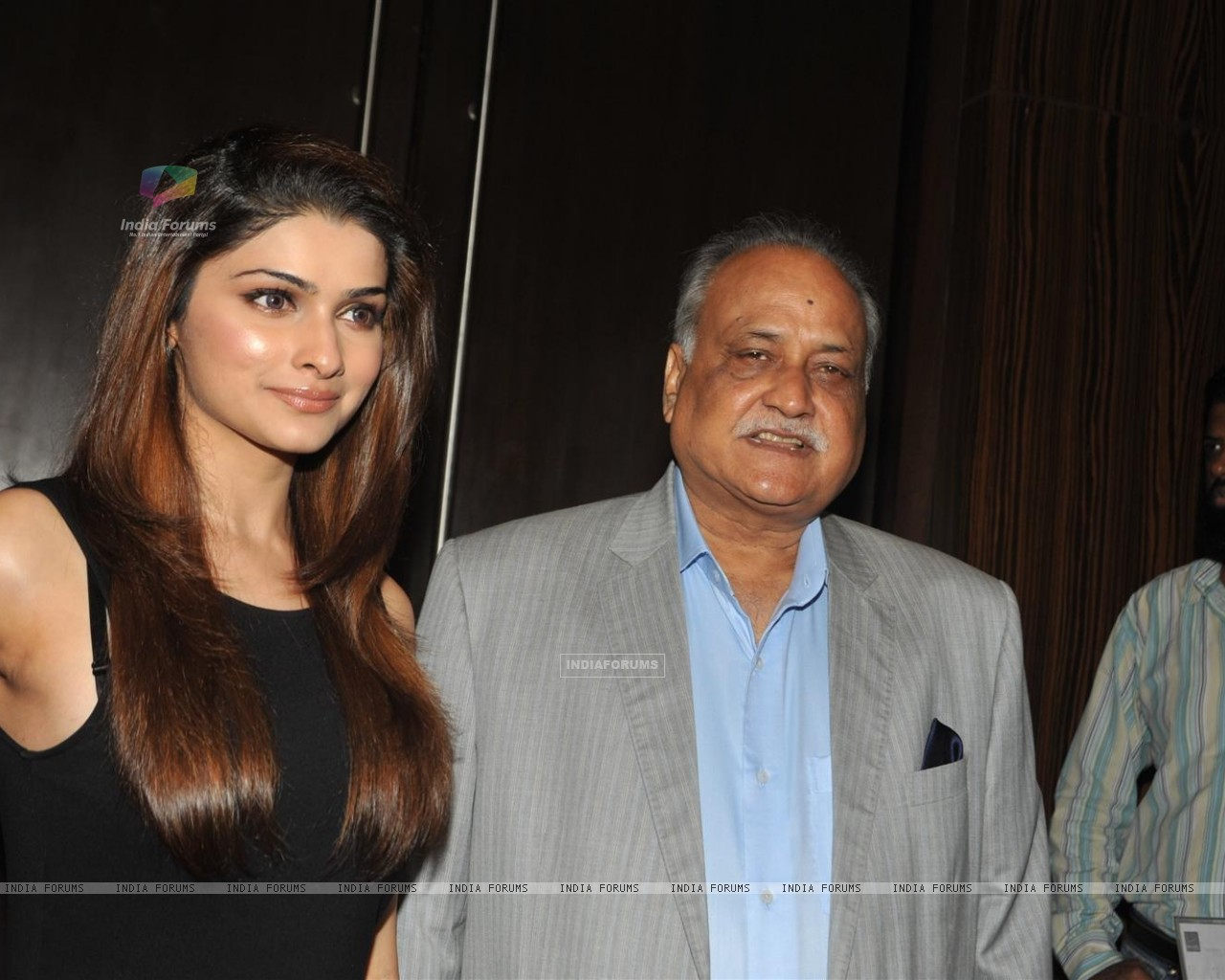 Prachi Desai and TP Agarwal at Launch of T P Aggarwal's trade magazine 'Blockbuster' (211803) size:1280x1024