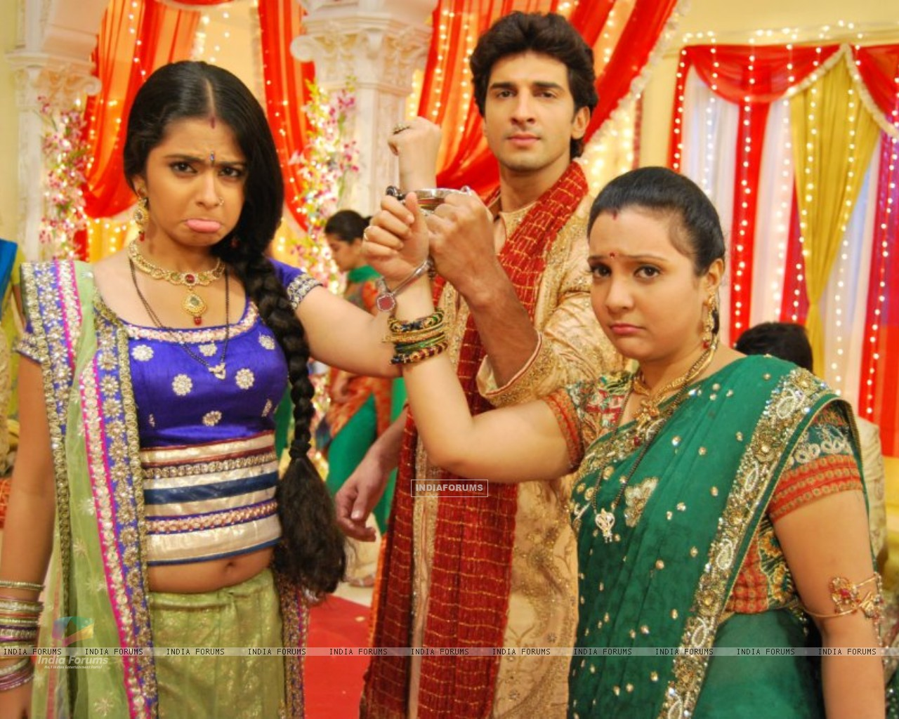 Avika, Manish and Snehal (214258) size:1280x1024