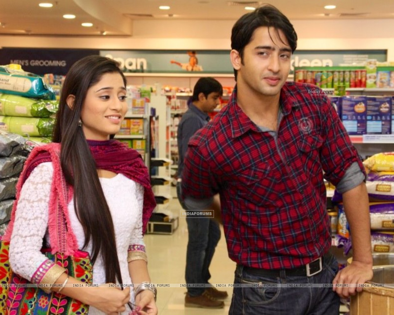 Shaheer Sheikh and Soumya Seth as Anant and Navya in Navya (215016) size:1280x1024