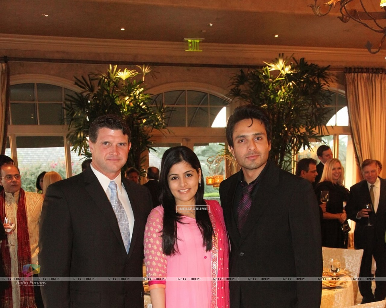 Iqbal Khan with wife Sneha at Indian Film Festival Of Houston1 (215987) size:1280x1024