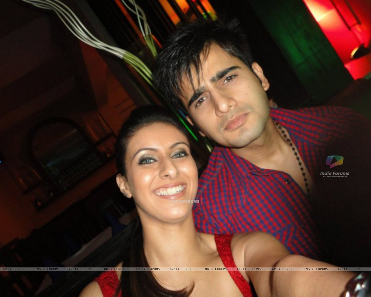 Khushboo and Karan (216222) size:1280x1024