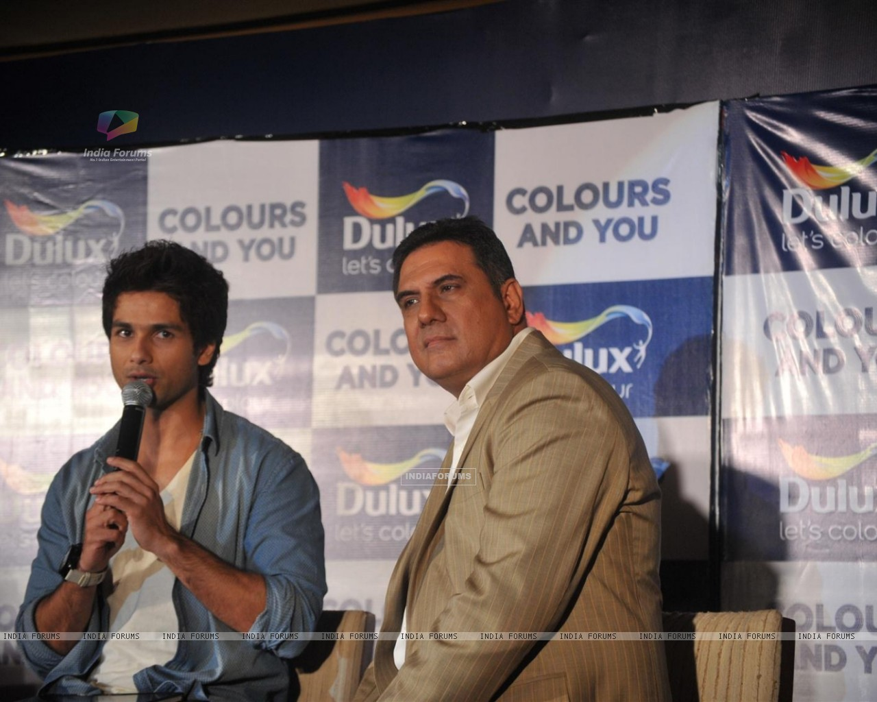 Shahid and Boman Irani at Dulux let's colour event (216929) size:1280x1024