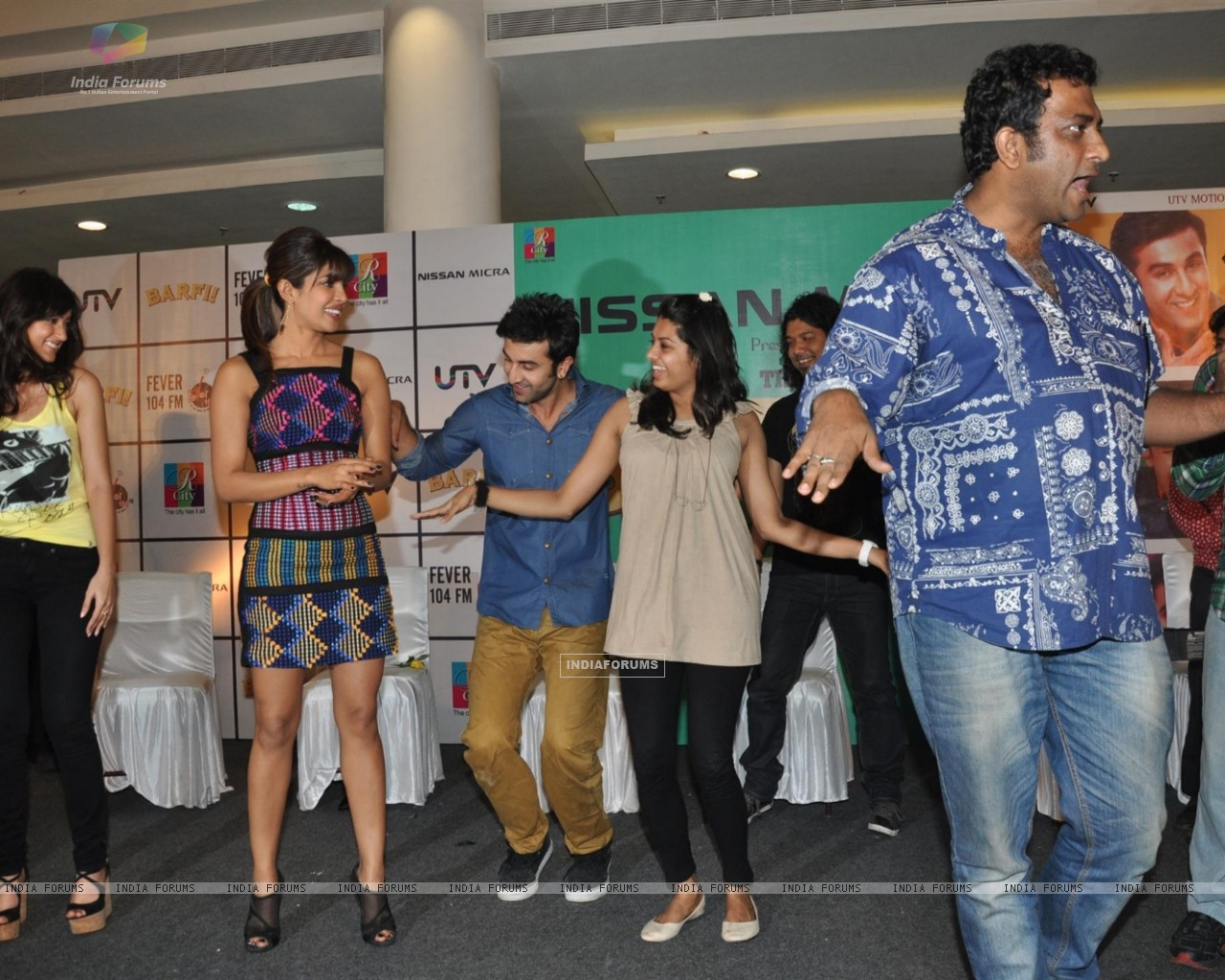 Ileana D'Cruz, Ranbir Kapoor, Priyanka Chopra, Anurag Basu at Film Barfi Promotion With R City Mall (224773) size:1280x1024