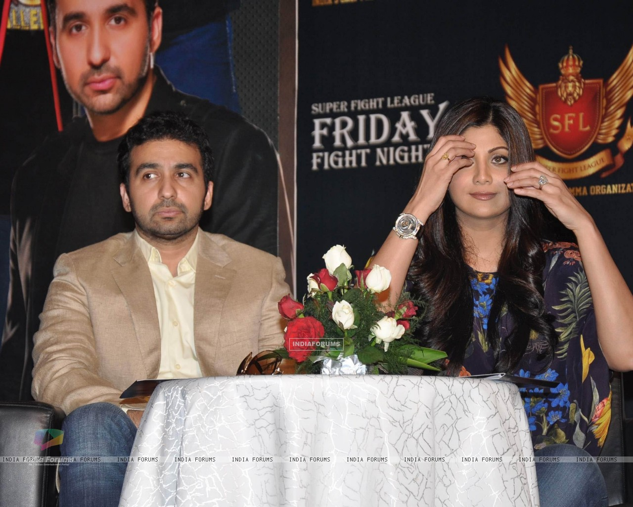 Shilpa Shetty with her husband Raj Kundra at SFL press meet (227632) size:1280x1024