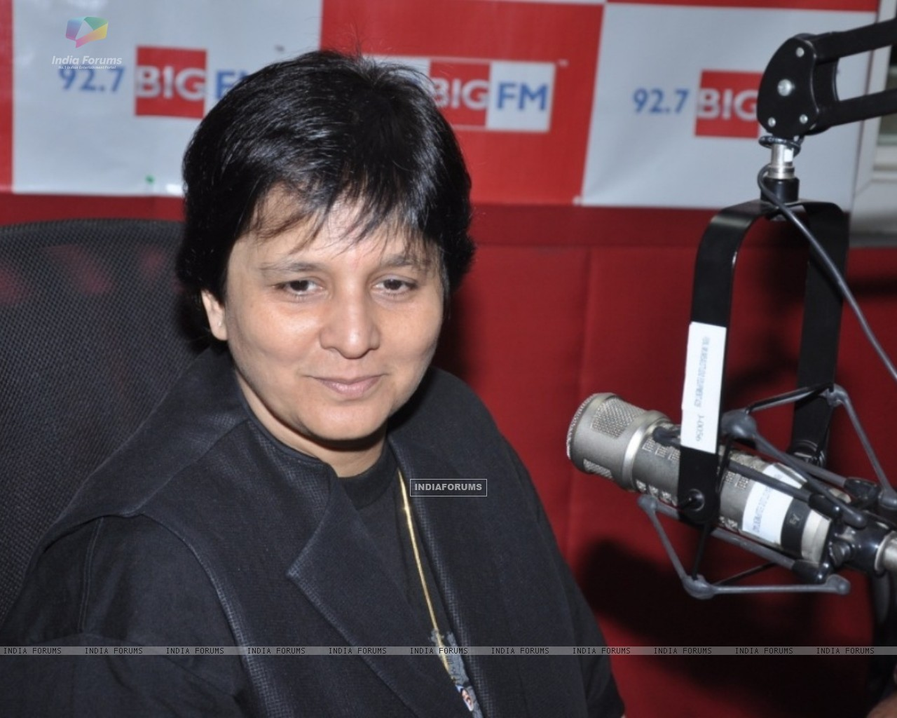 Falguni Pathak at 92.7 FM to announce the biggest navratri utsav (229689) size:1280x1024