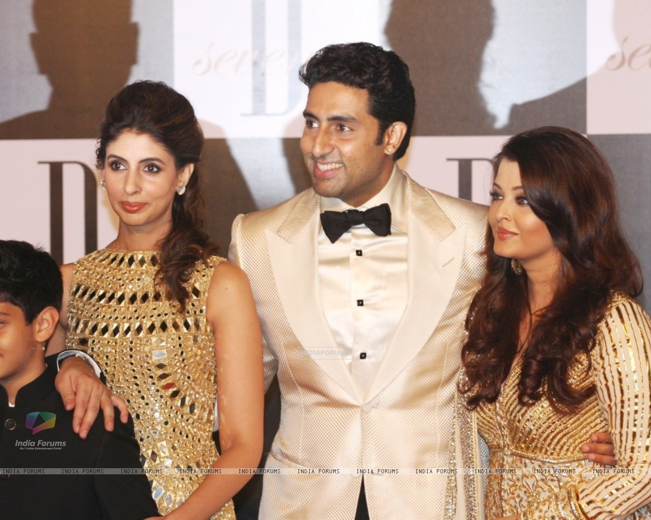 Shweta Nanda, Abhishek Bachchan and Aishwarya Rai at Amitabh Bachchan's 70th Birthday Party (231377) size:1280x1024