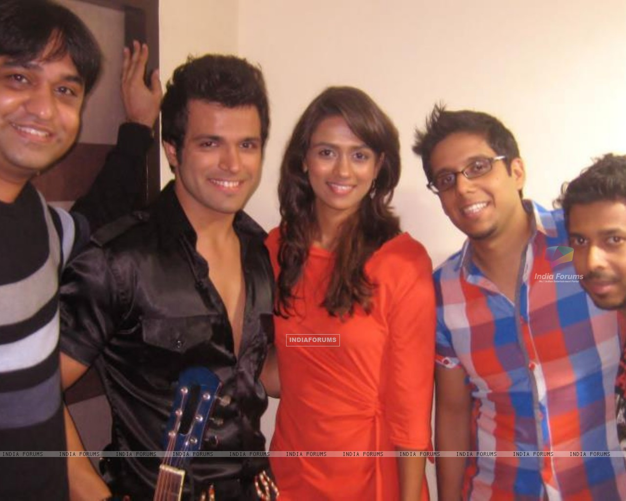Rithvik and Prerna (231513) size:1280x1024
