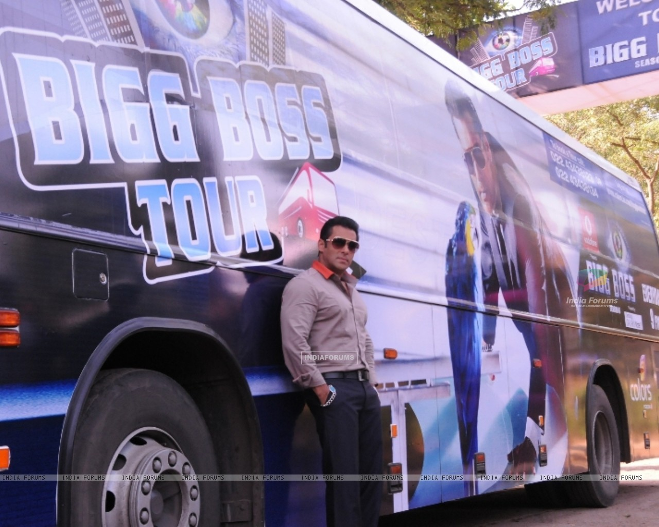 Bollywood actor Salman Khan at the launch of India's first ever reality TV tour in Mumbai. (231848) size:1280x1024