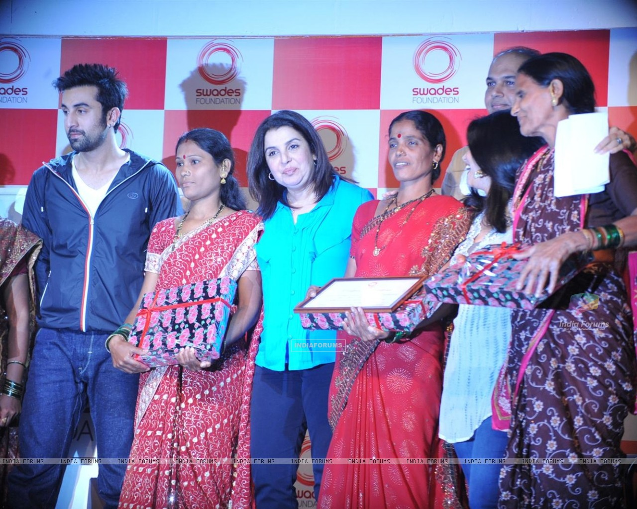 Ranbir Kapoor unveiled and supported for Swades Foundation (232257) size:1280x1024