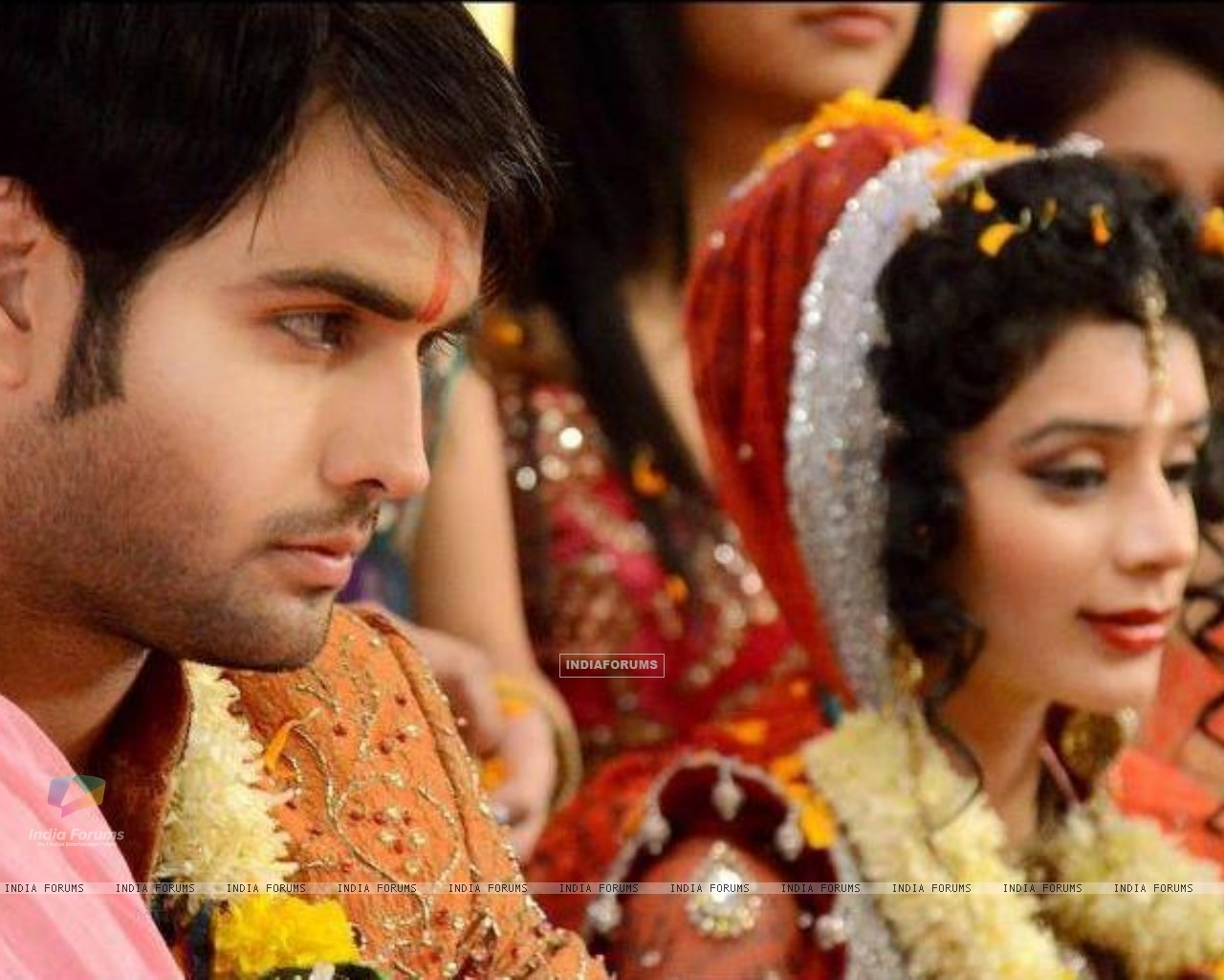 Vivian and Sukirti (233574) size:1280x1024