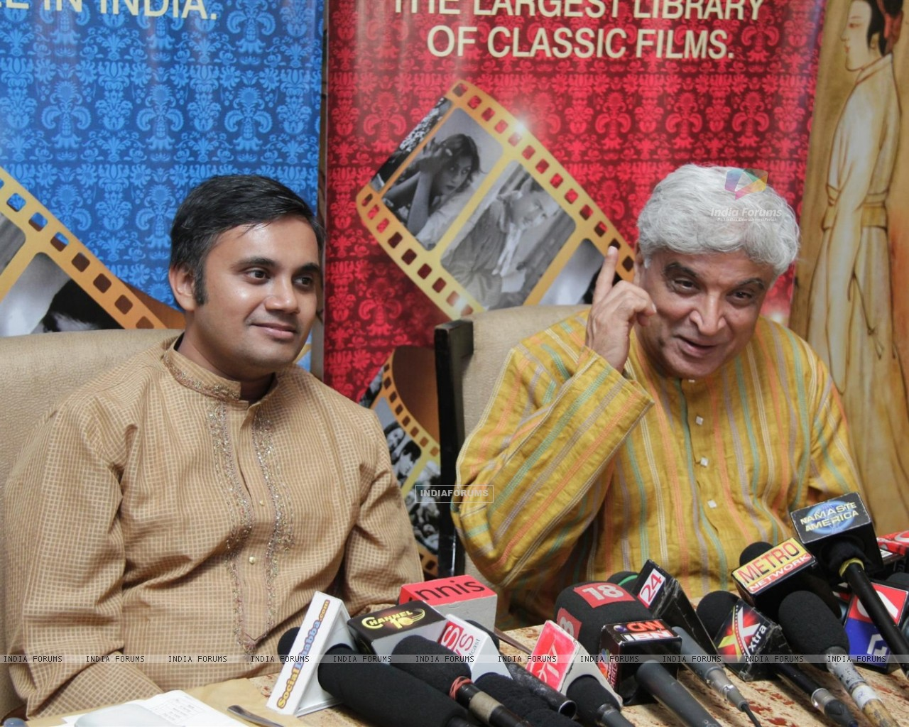 Javed Akhtar gestures during the launch of Classic Legends Season 2 on Zee Classic (237845) size:1280x1024