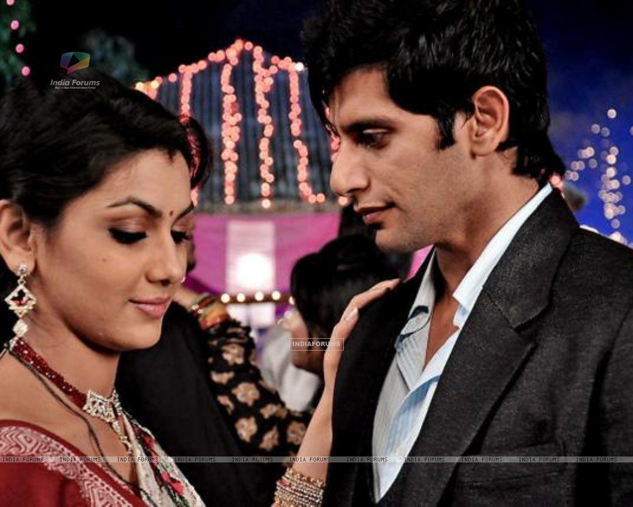 Karanvir Bohra as Viraj Dobriyal & Sriti Jha as Jhanvi Dobriyal (238071) size:1280x1024