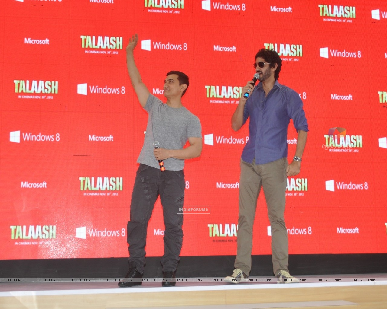 Aamir Khan and Gaurav Kapoor promotes film Talaash with Microsoft Windows 8 (239076) size:1280x1024
