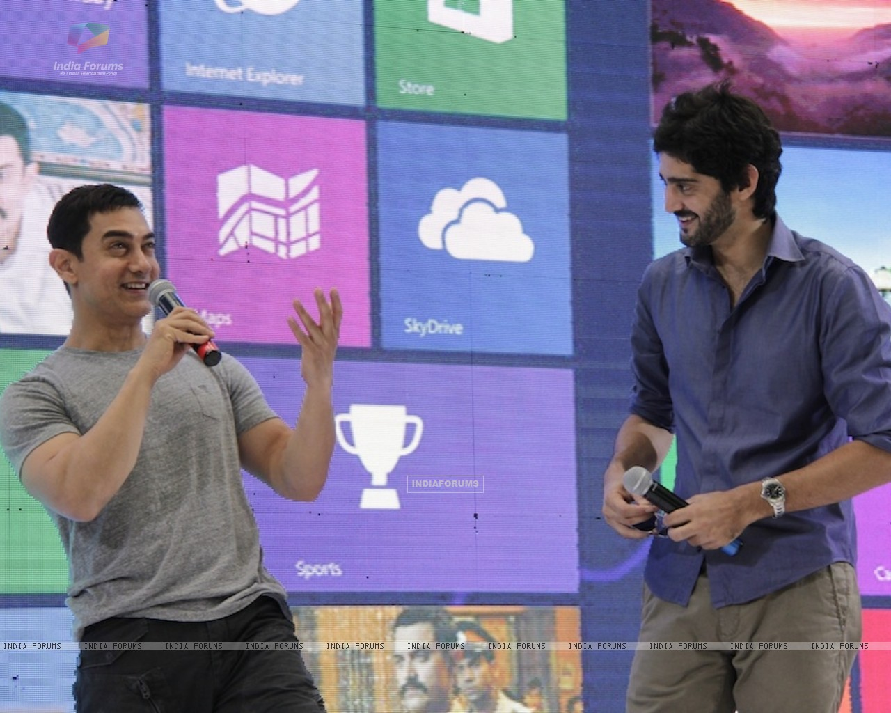 Aamir Khan and Gaurav Kapoor promotes film Talaash with Microsoft Windows 8 (239087) size:1280x1024