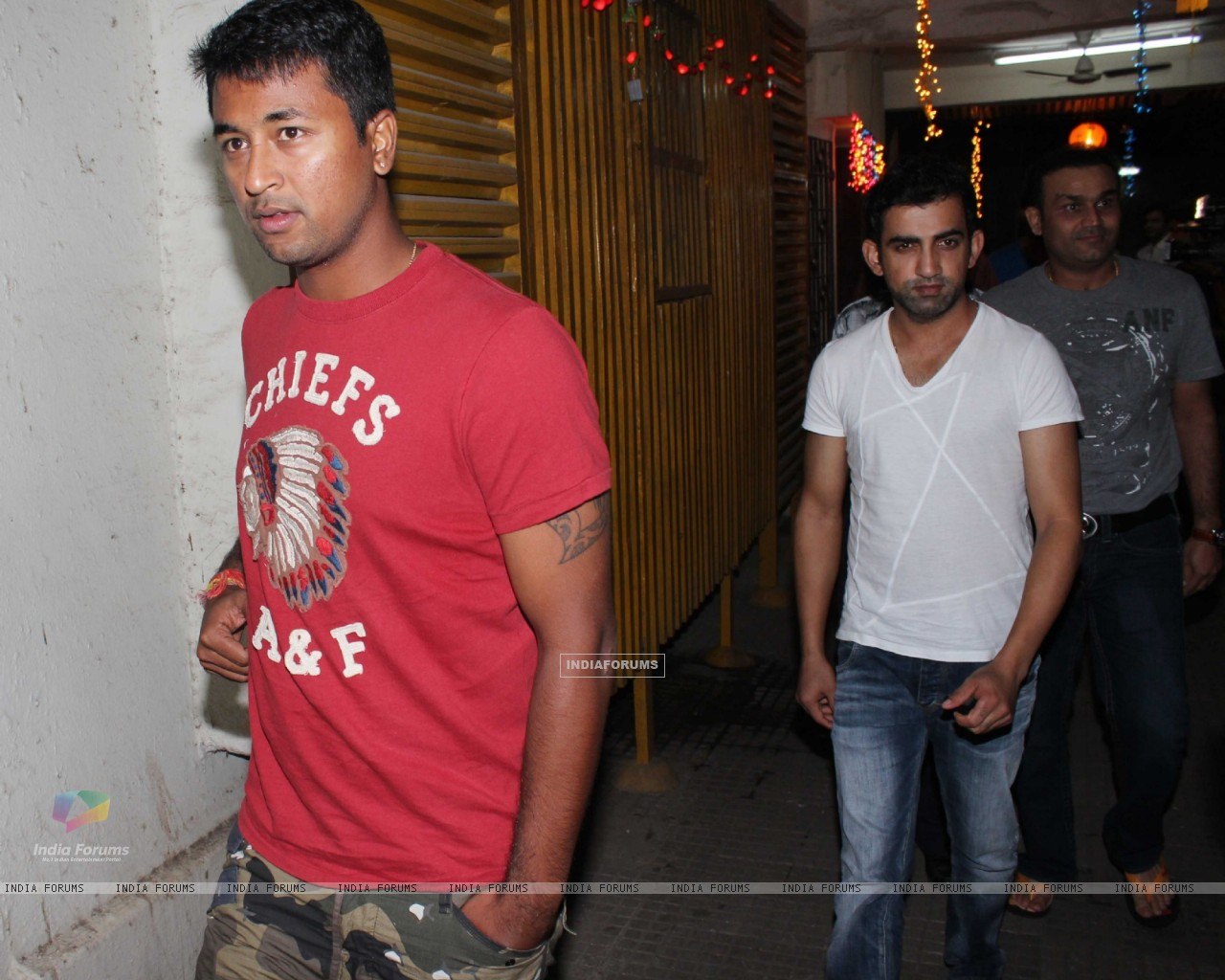 Gautam Gambhir and Virendra Sehwag at Son of Sardar Special Screening at Ketnav (239688) size:1280x1024