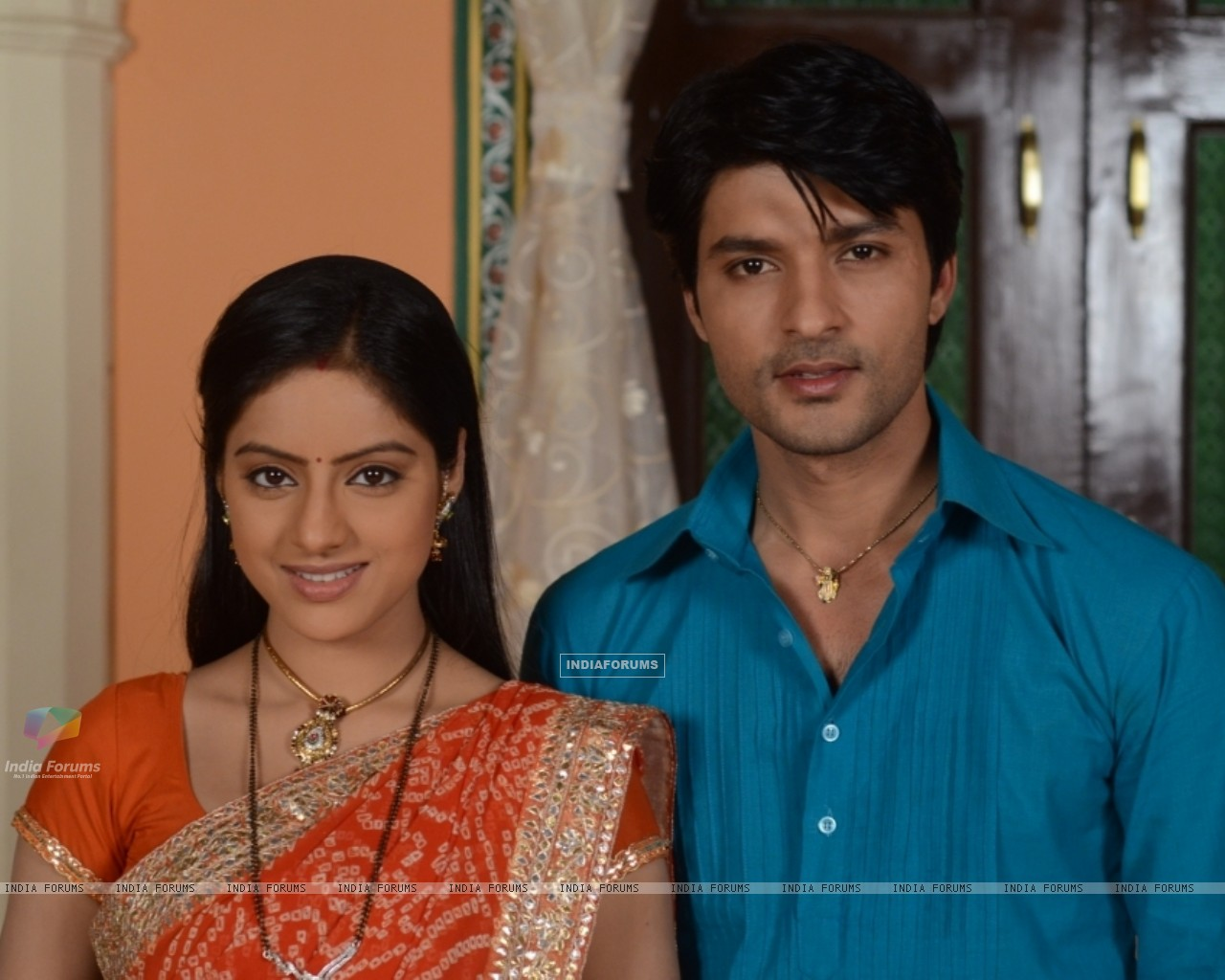 Wallpaper - Anas Rashid and Deepika Singh as Sooraj and Sandhya in ...