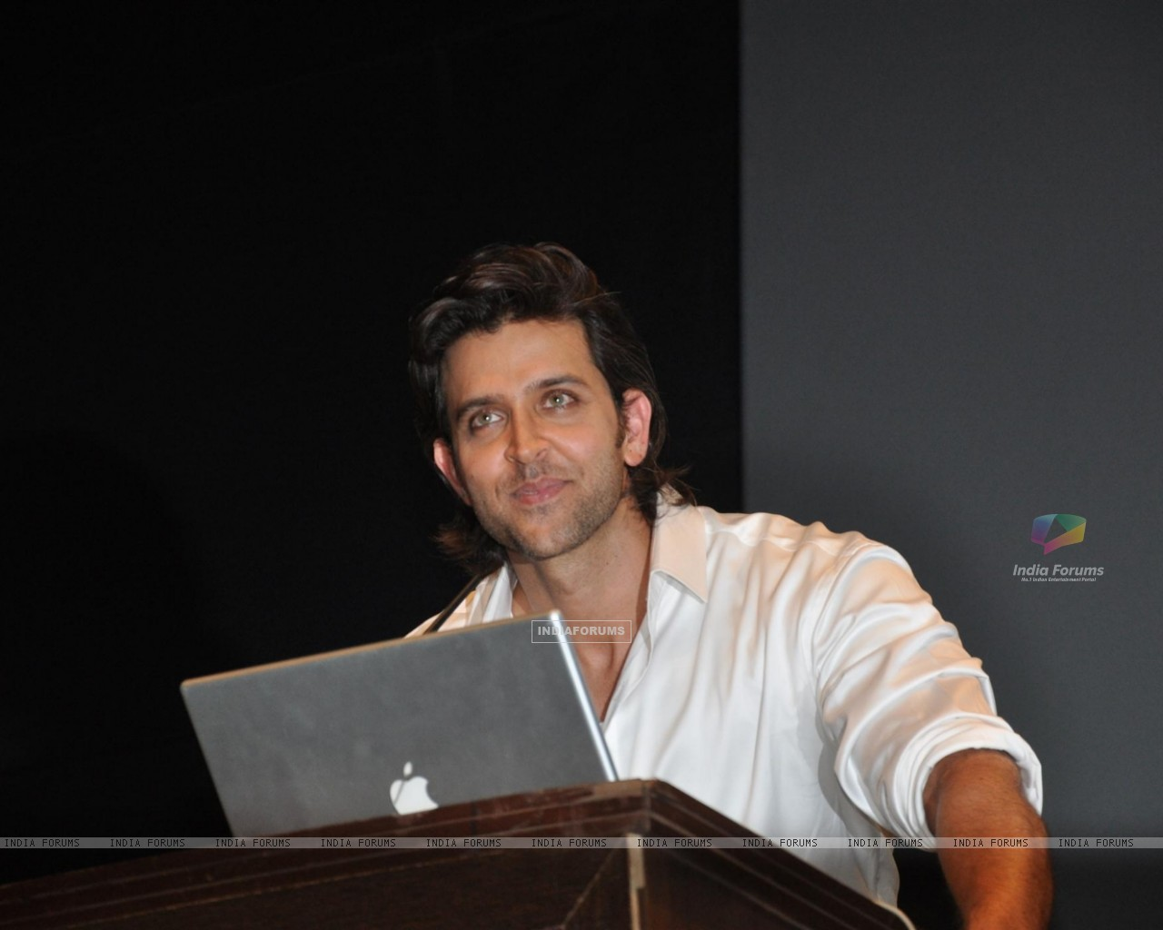 Hrithik Roshan Launches India First Online Film Making Courses (244629) size:1280x1024