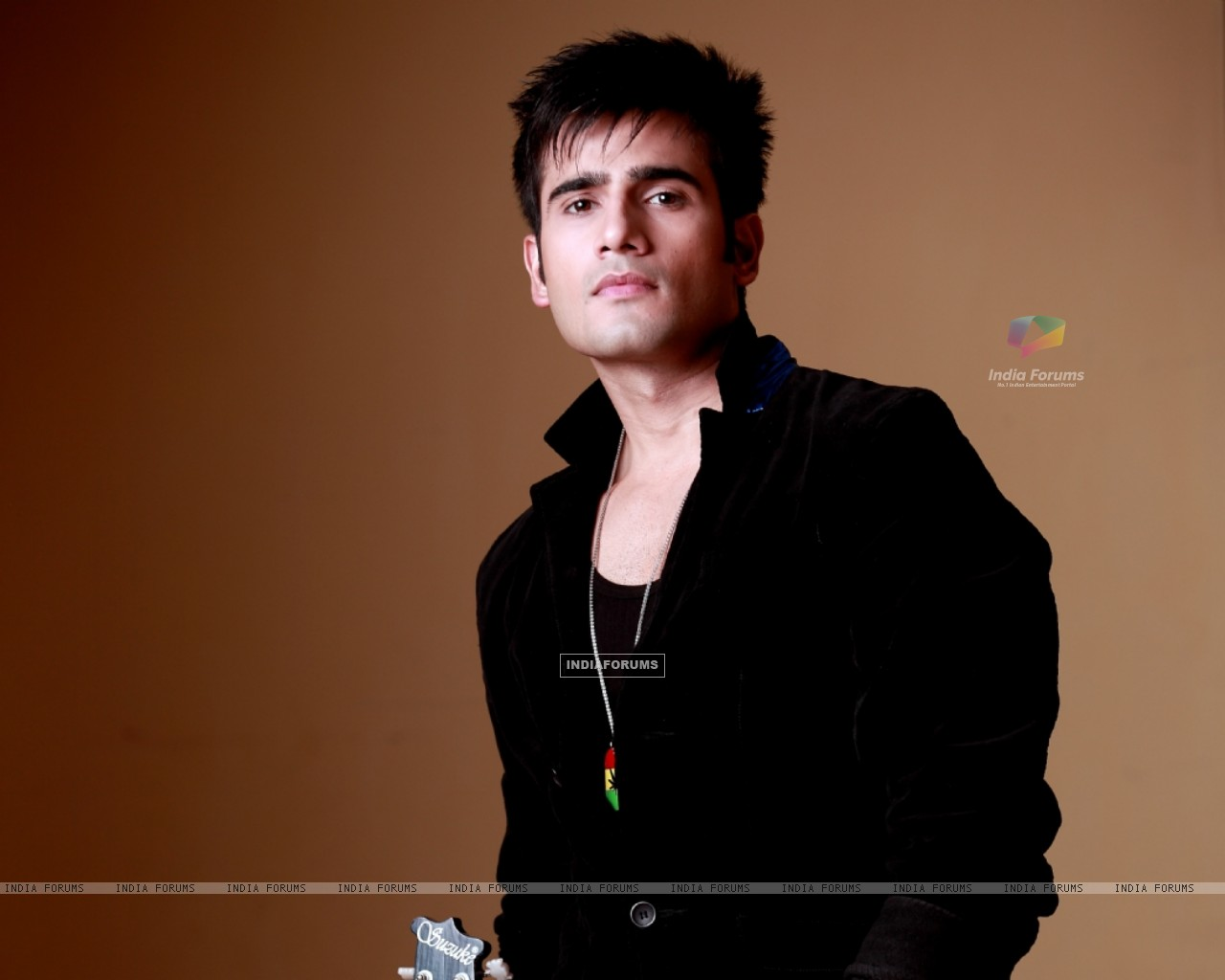 Karan Tacker (249591) size:1280x1024