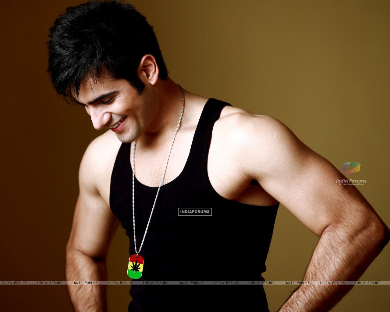 Karan Tacker (249593) size:1280x1024