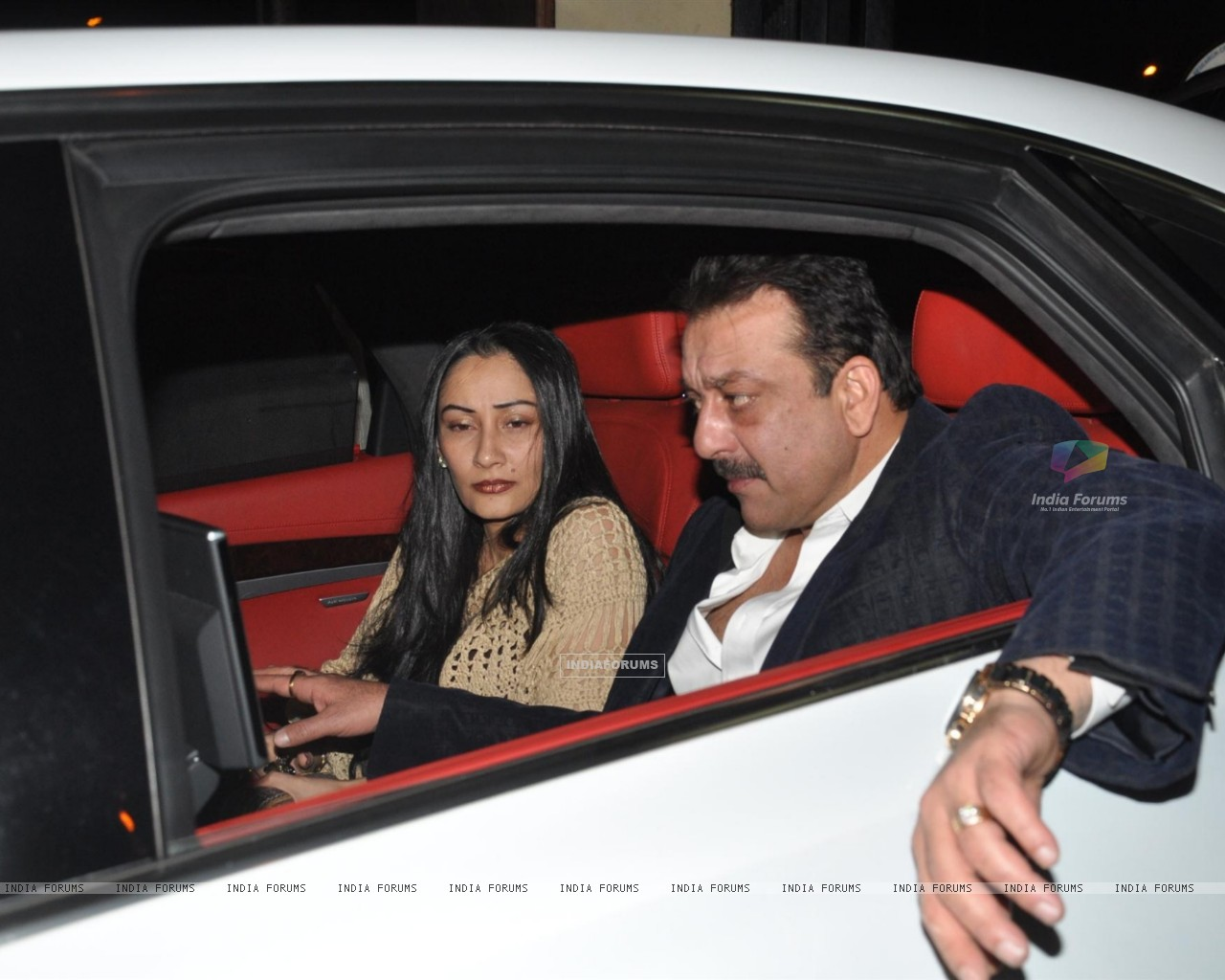 Sanjay Dutt and Manyata Dutt visits David Dhawan at Lilavati Hospital (249923) size:1280x1024