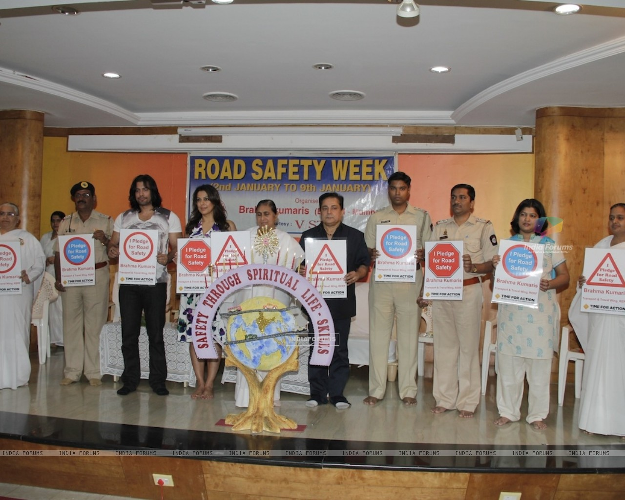 Road Safety Campaign Launch by Pooja Bedi at Bramhakumaris Borv east (249979) size:1280x1024