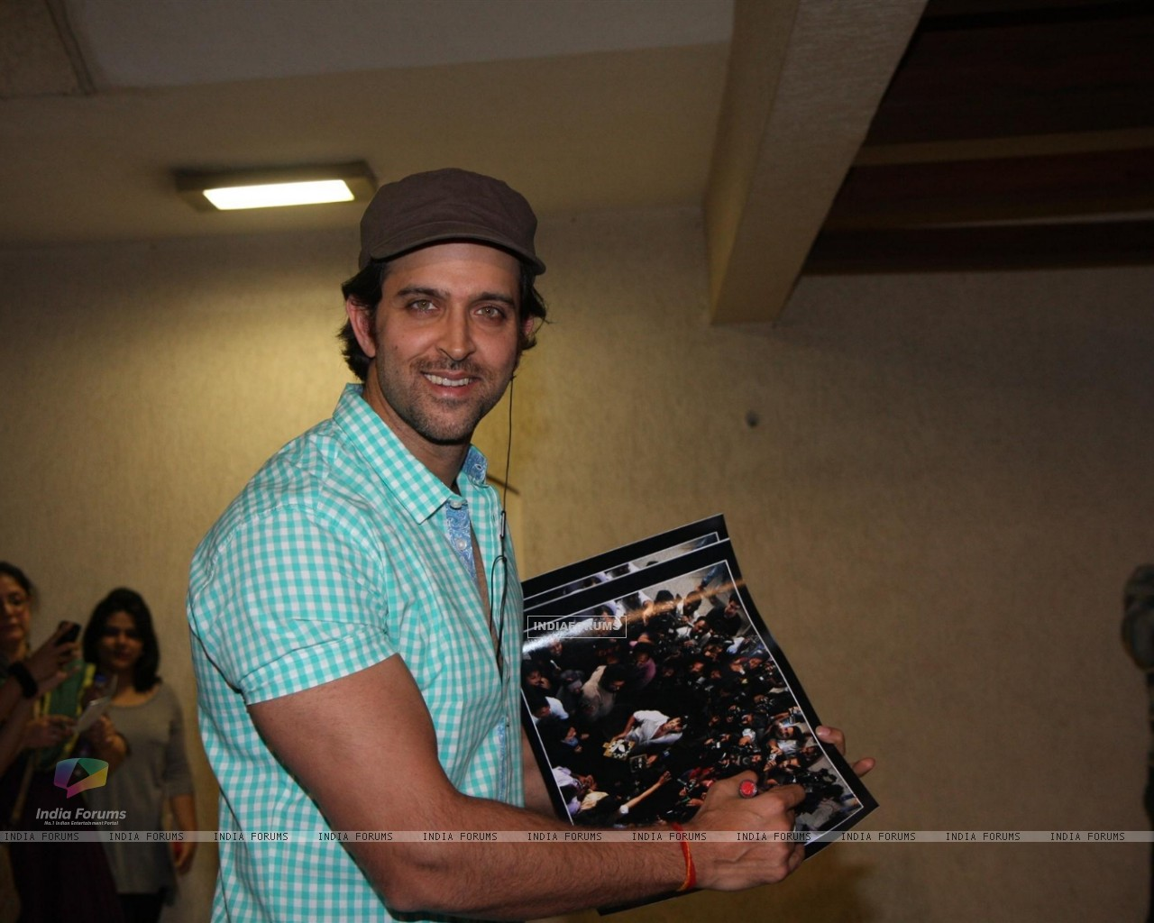 Hrithik Roshan Birthday Party (252421) size:1280x1024