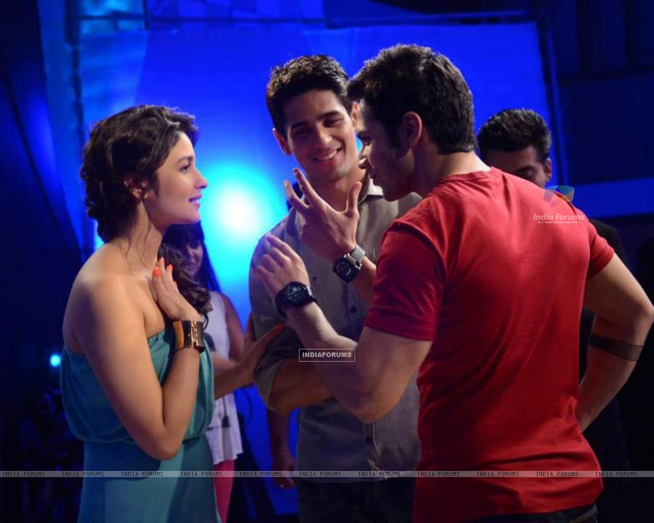 Varun, Sidharth and Alia (260778) size:1280x1024
