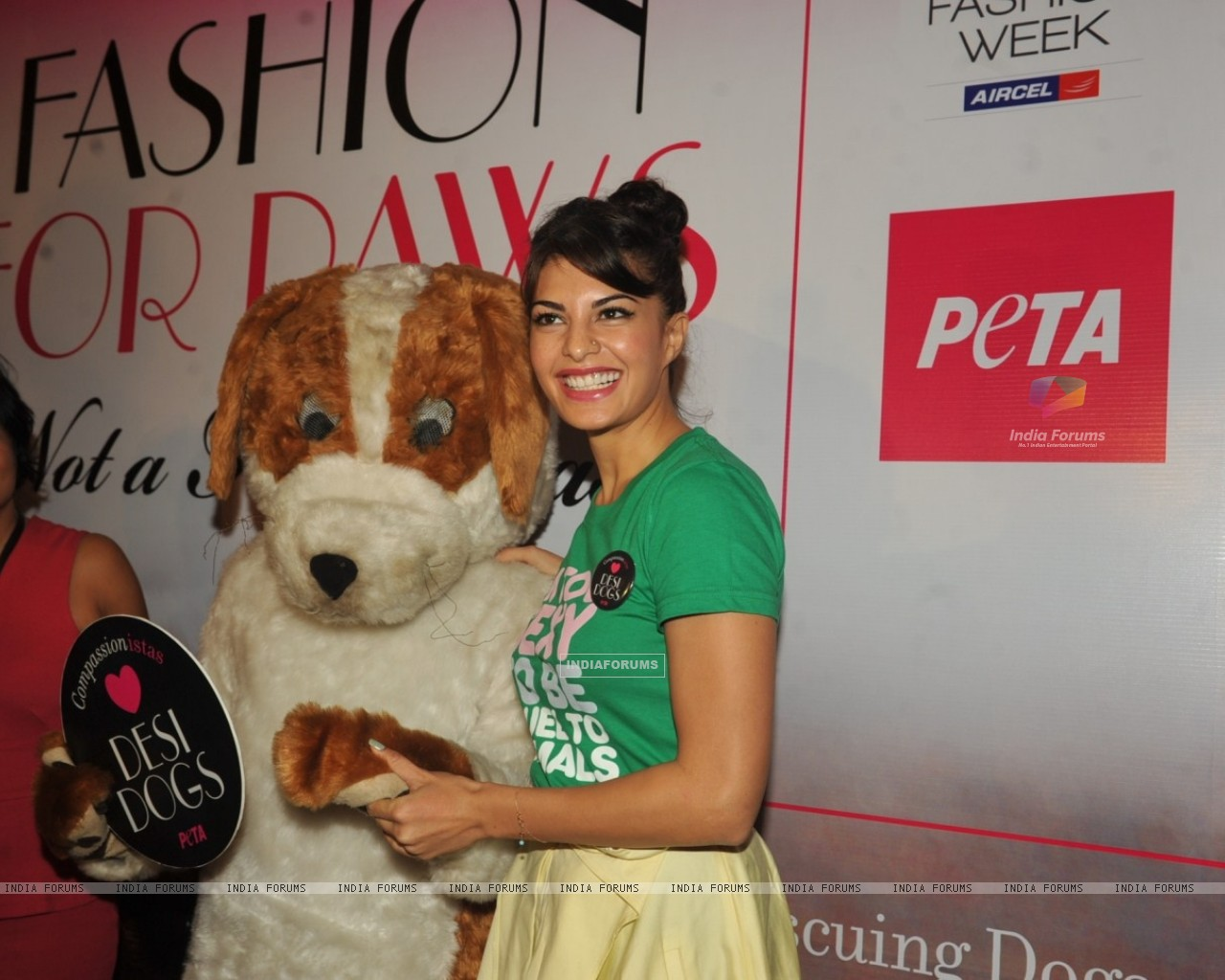 Jacqueline Fernandez unveils new PETA campaign at Lakme Fashion Week Summer 2013 (273804) size:1280x1024