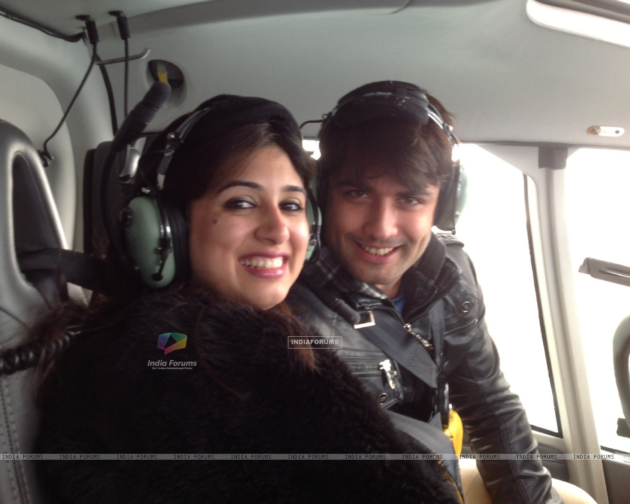 Vivian Dsena and Vahbbiz�s rocking honeymoon in Australia (274858) size:1280x1024