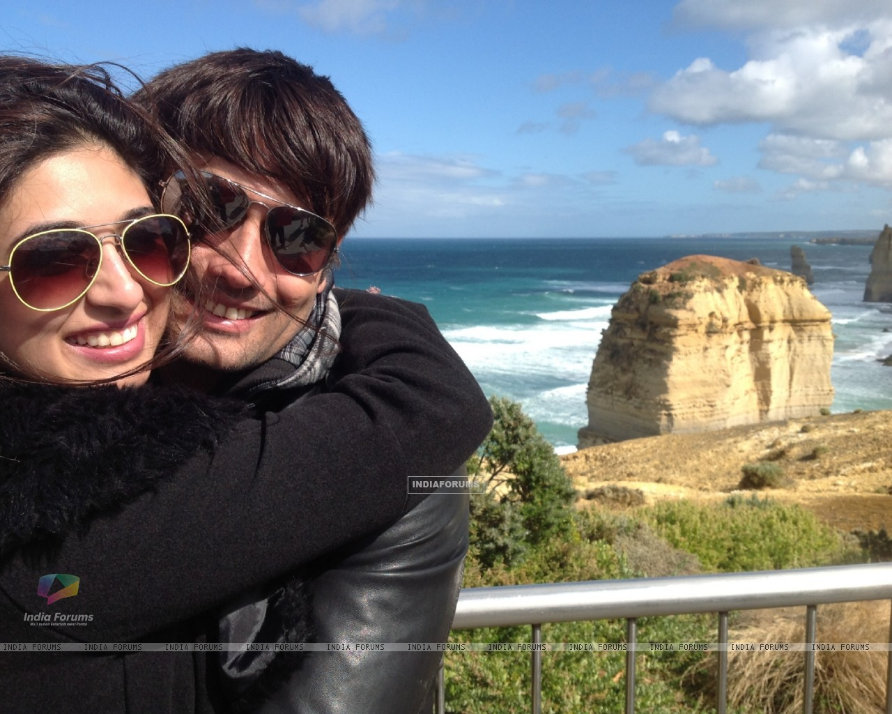 Vivian Dsena and Vahbbiz�s rocking honeymoon in Australia (274866) size:1280x1024