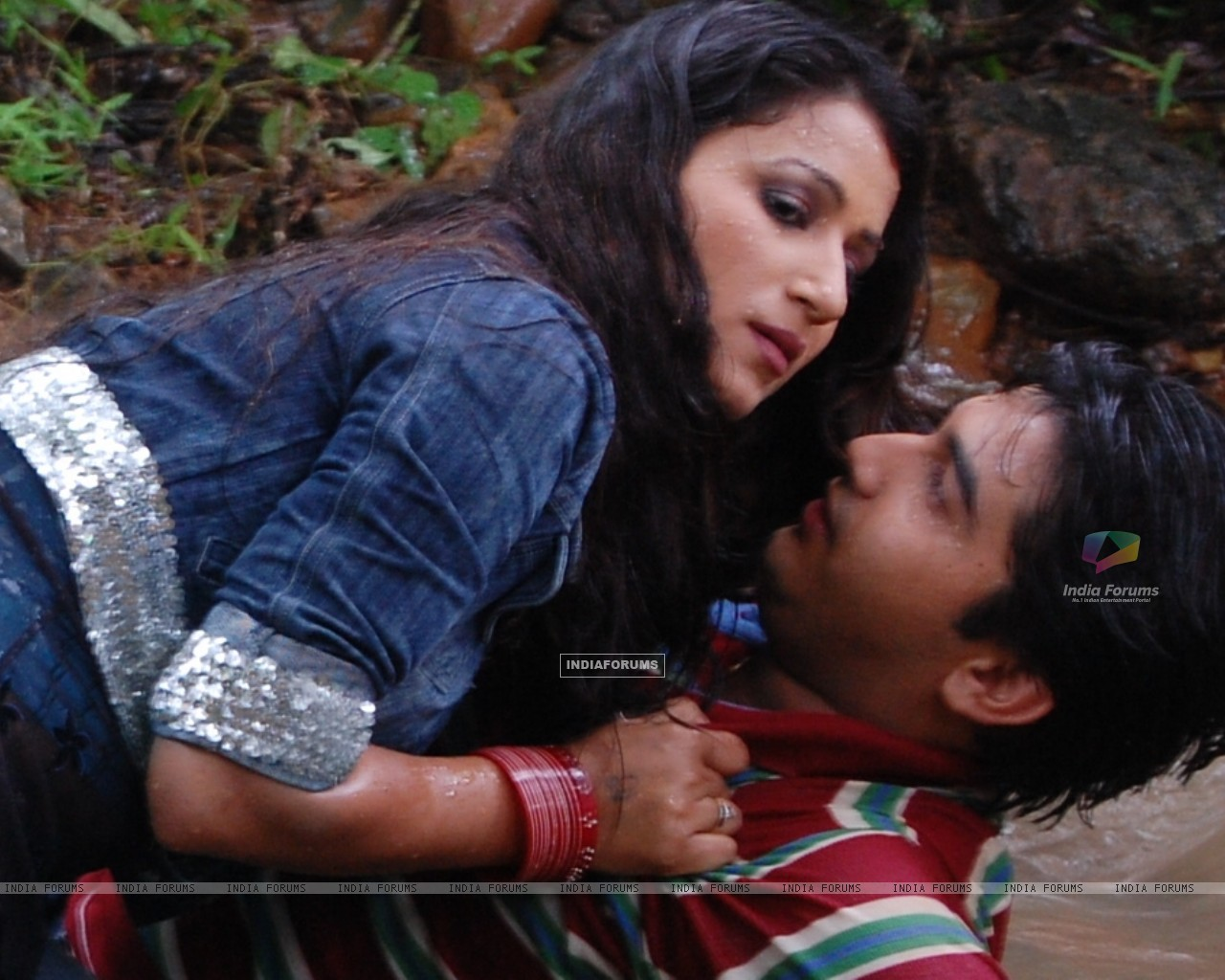Romantic scene of Mohan and Chanda (32908) size:1280x1024