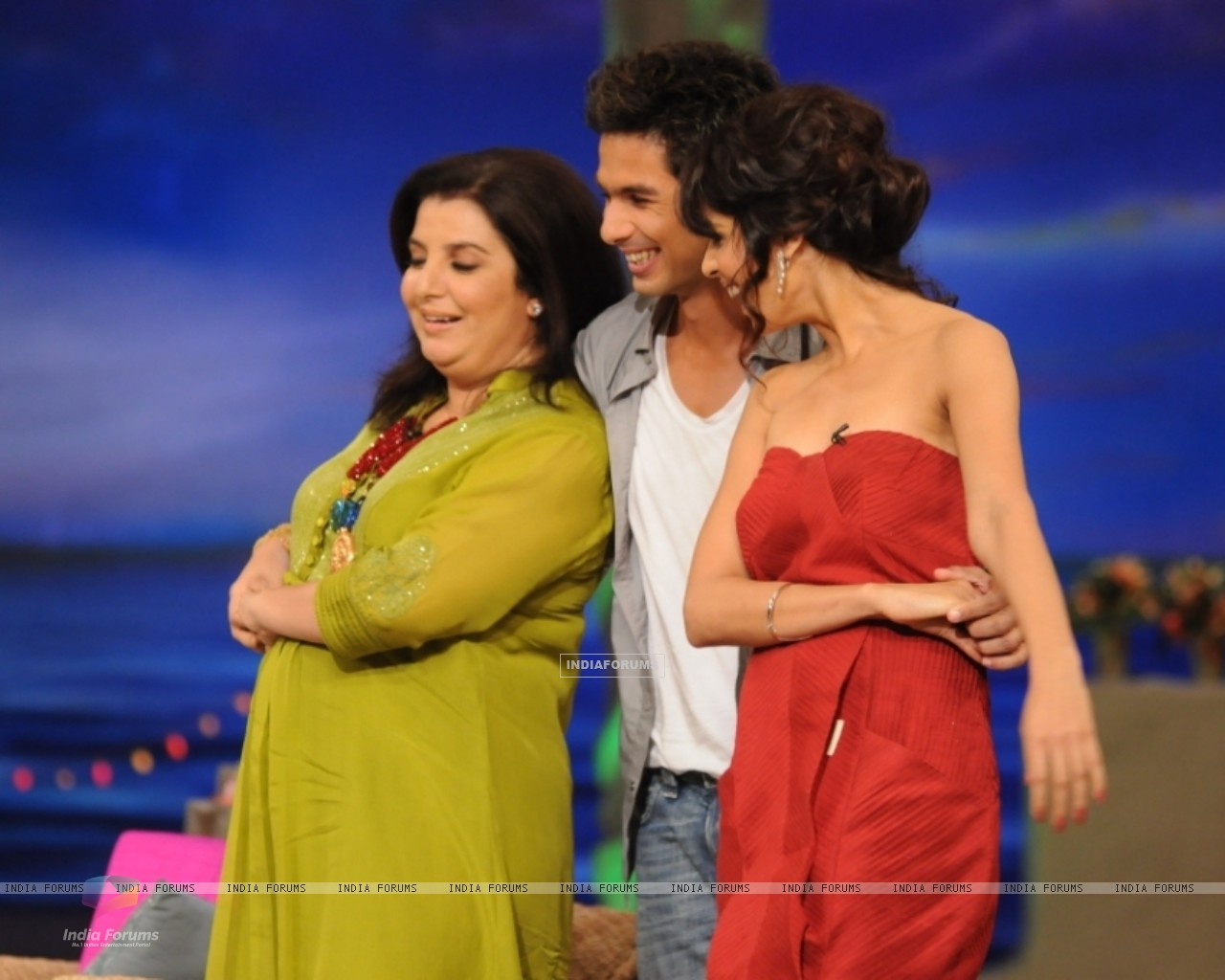 Shahid Kapoor with Genelia Dsouza and Farah Khan (37454) size:1280x1024