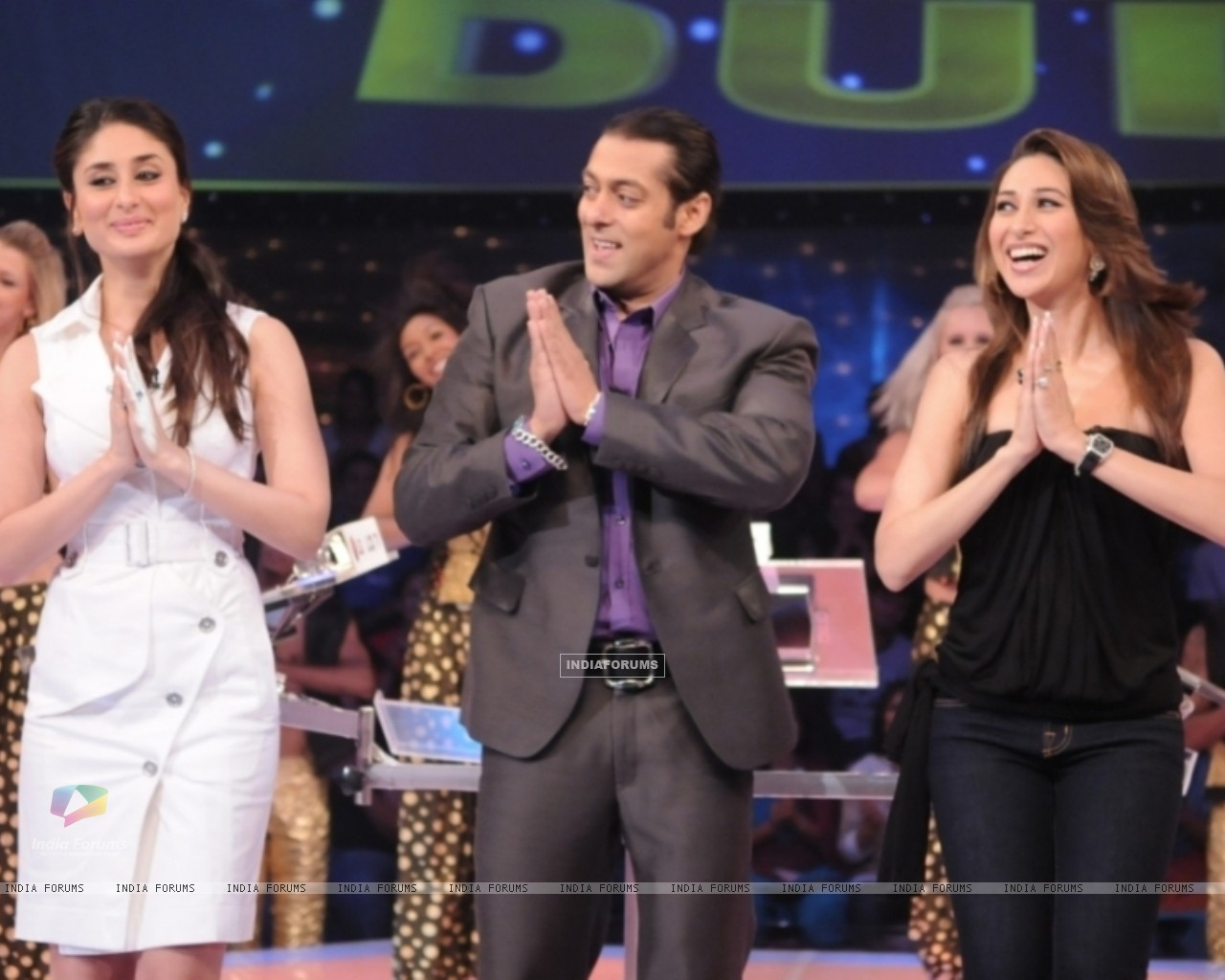 Salman Khan with Kareena and Karishma (37462) size:1280x1024