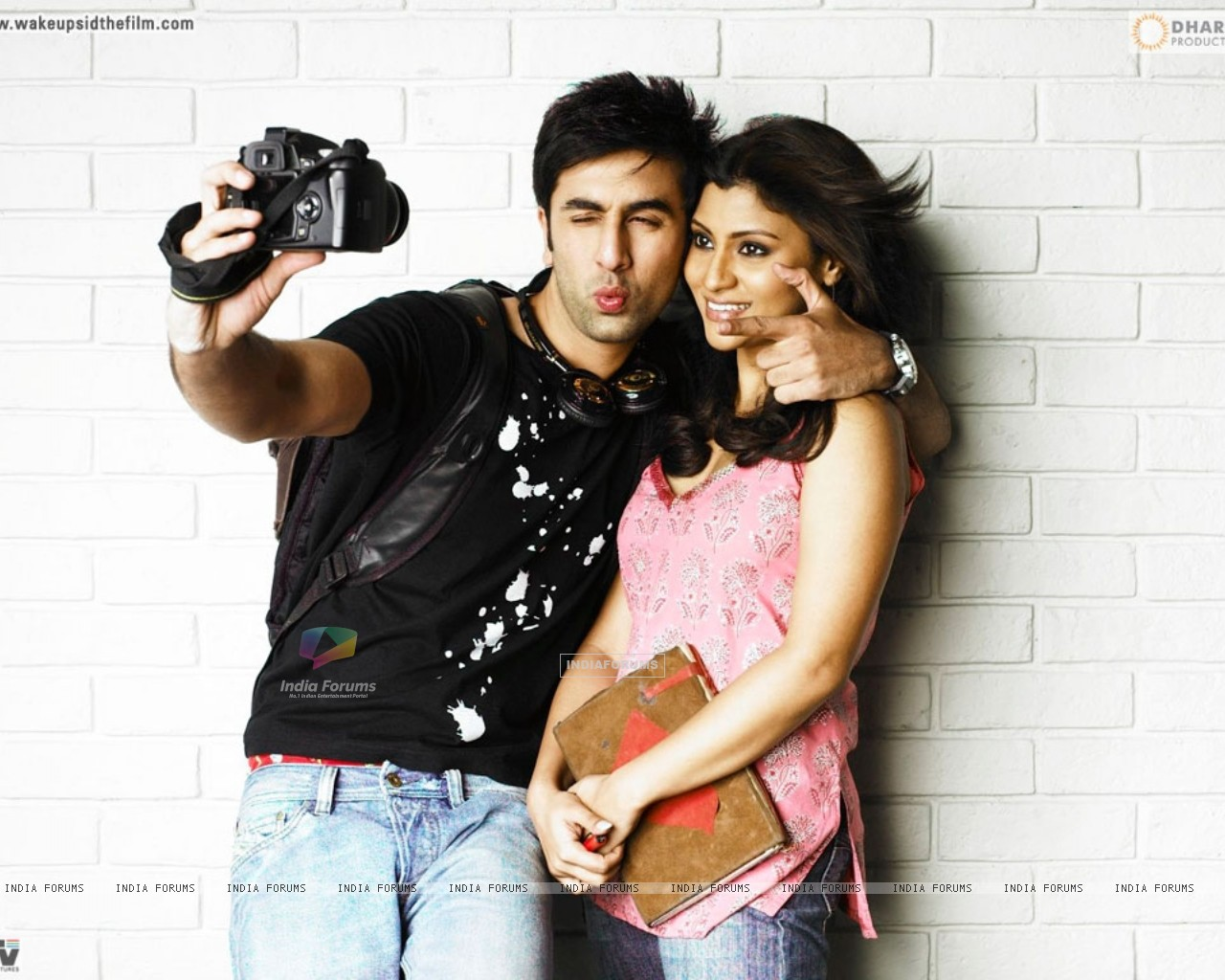 Ranbir Kapoor and Konkona Sen looking gorgeous (37873) size:1280x1024