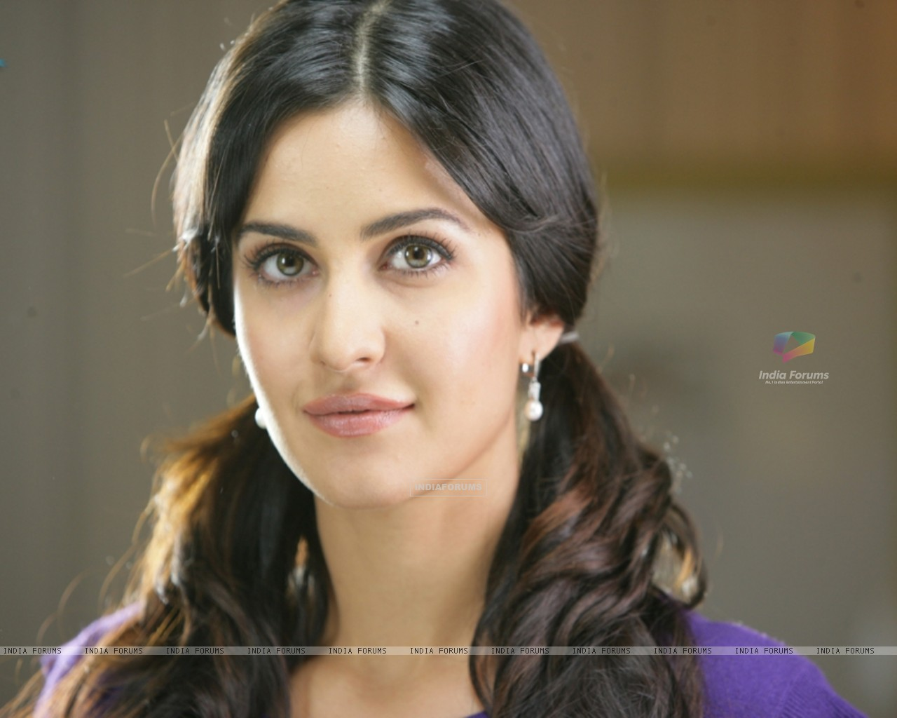 Katrina Kaif looking sweet and Pretty (39246) size:1280x1024