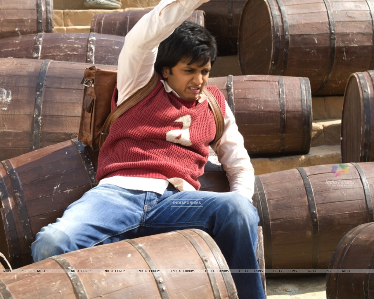 Ritesh Deshmukh in Aladin movie (39324) size:1280x1024