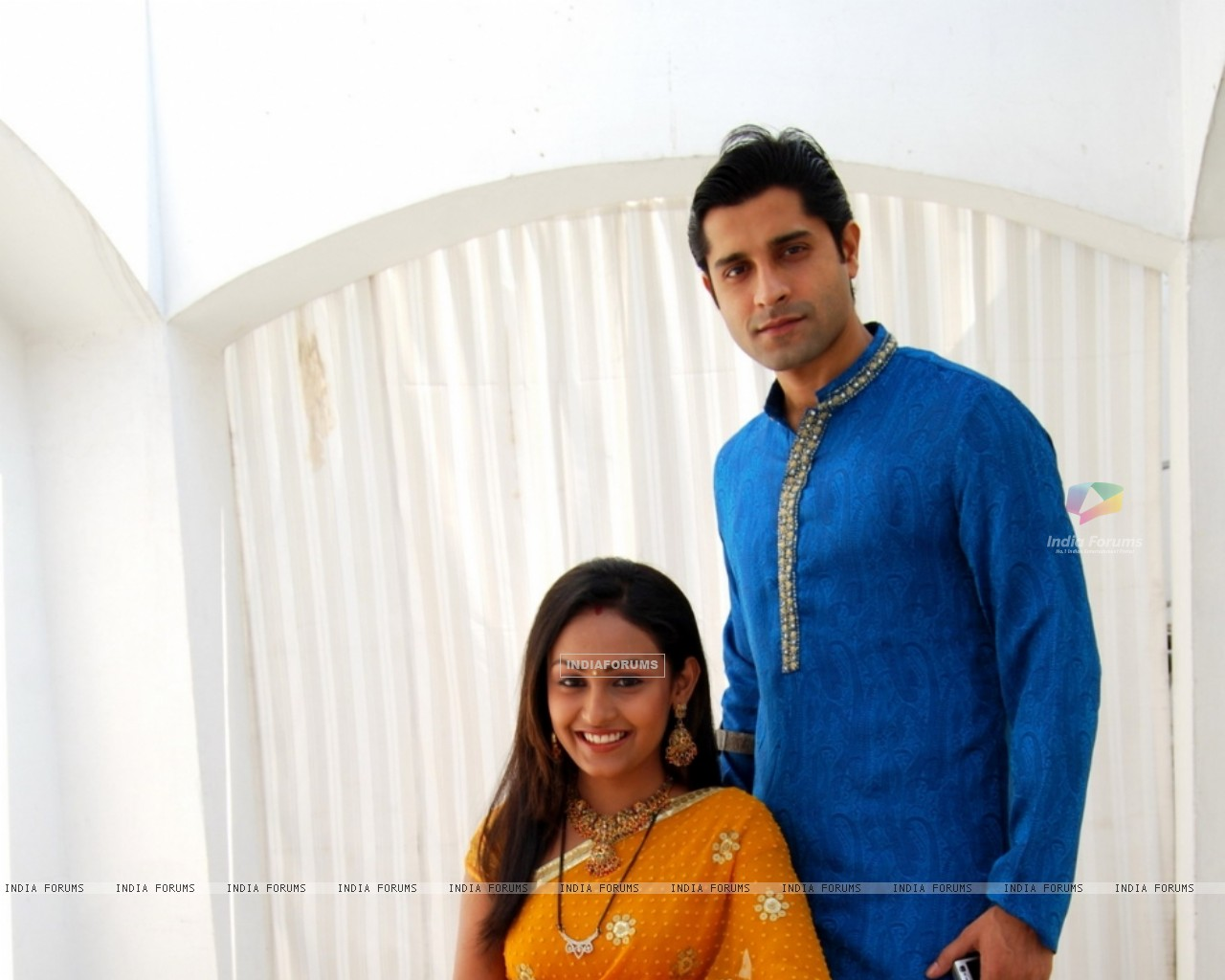 Shubh and Suhani a newly wed couple (40440) size:1280x1024