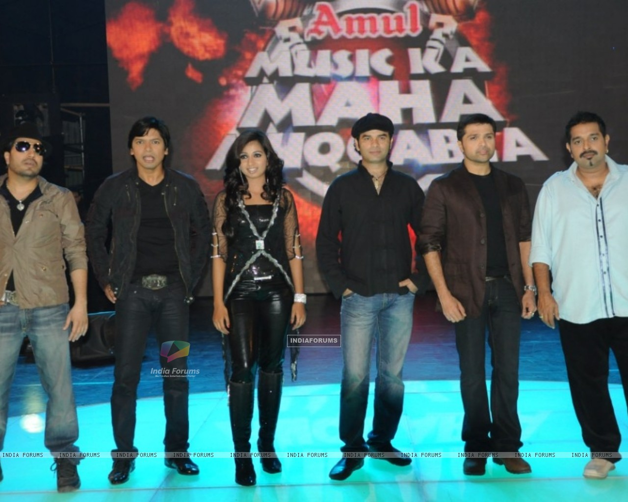 6 captains on the stage of Music Ka Maha Muqqabla (40509) size:1280x1024