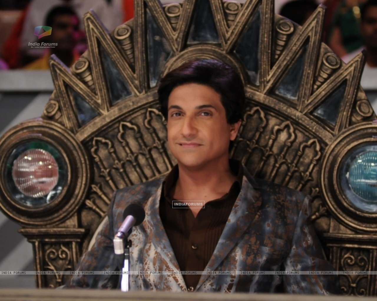 Shiamak Davar as a judge - Wallpaper (Size:1280x1024)