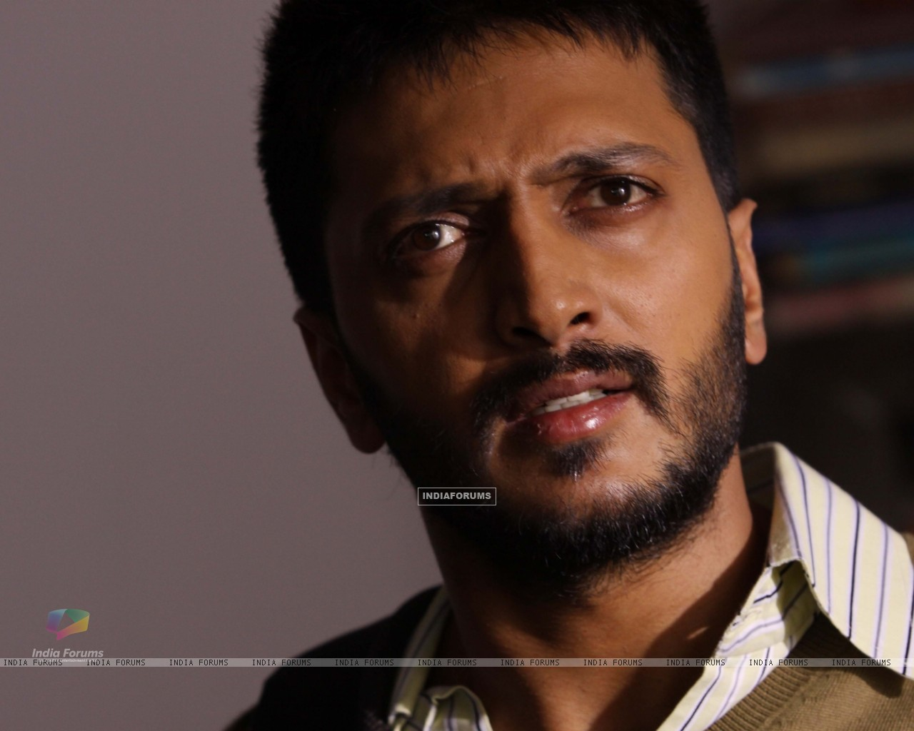 Ritesh Deshmukh looking shocked (41342) size:1280x1024