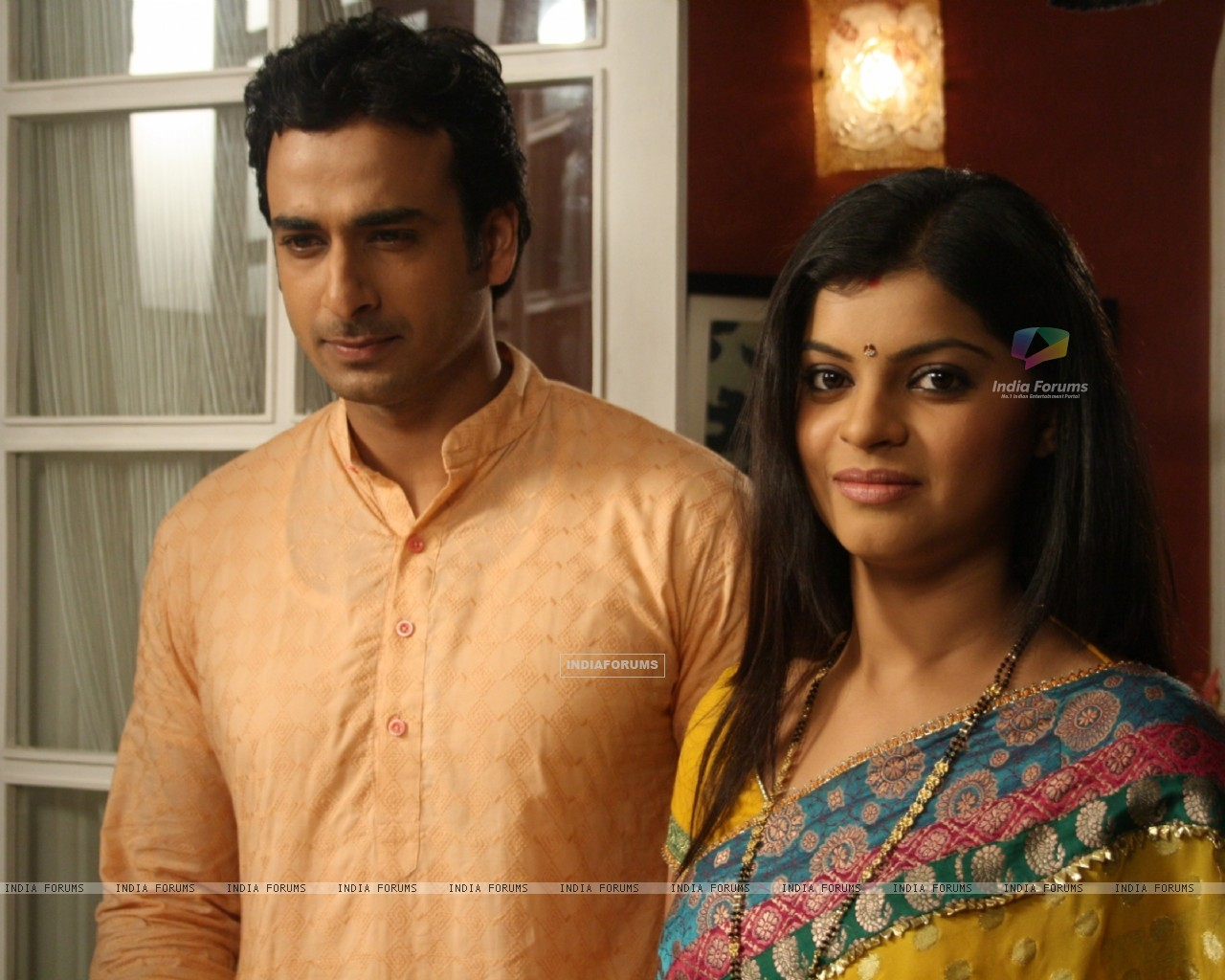 Still image of Pankaj and Jyoti (42163) size:1280x1024