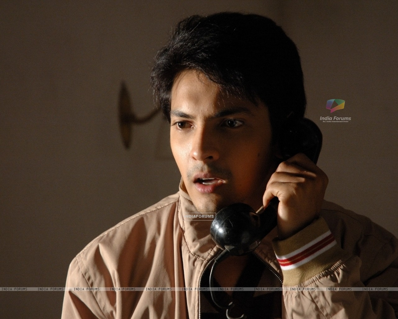 Aditya Narayan looking shocked (56547) size:1280x1024